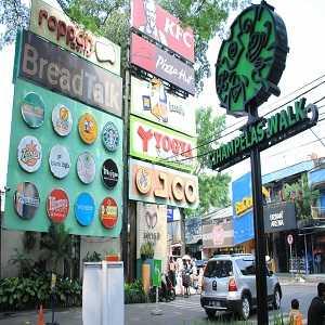 Fasilitas Cihampelas Walk (Ciwalk) Bandung