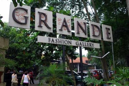 tempat wisata belanja grande factory Outlet di Bandung