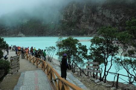 Wisata Alam di Bandung - Kawah Putih