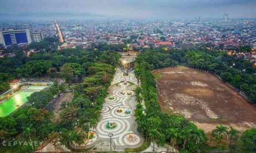 Gambar Foto Lapangan & Taman Tegalega di Kota Bandung