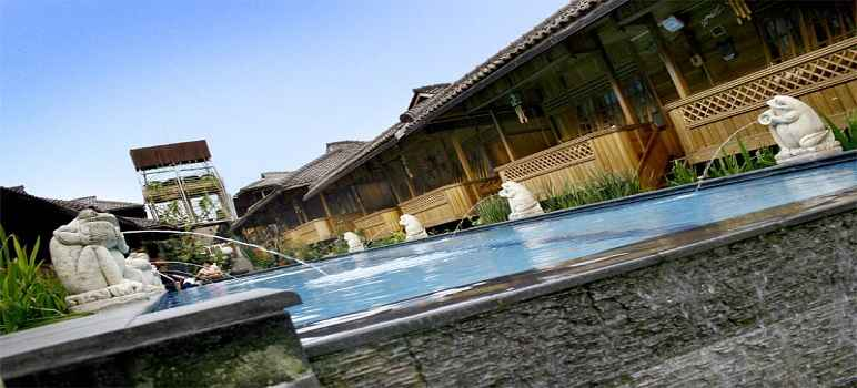 Kolam Renang Hotel Pesona Bamboe