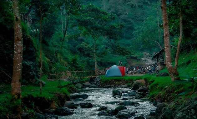 Tempat Camping Ground di Curug Tilu Leuwi Opat Cisarua Lembang Kabupaten Bandung