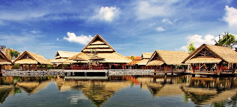 Tempat Makan Romantis Di Bandung Gubug Mang Engking