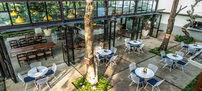 Tempat Makan Romantis Di Bandung miss Bee prividore