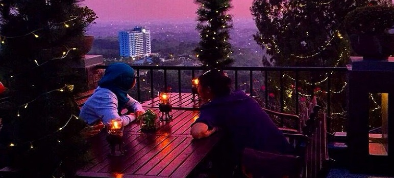 Tempat Makan Romantis Di Bandung The Valley
