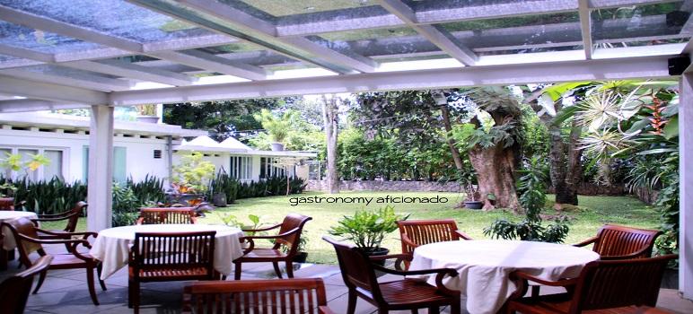 Tempat Makan Unik Di Bandung Secret Garden