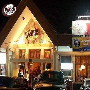 Tempat Nongkrong di Bandung Bober Cafe