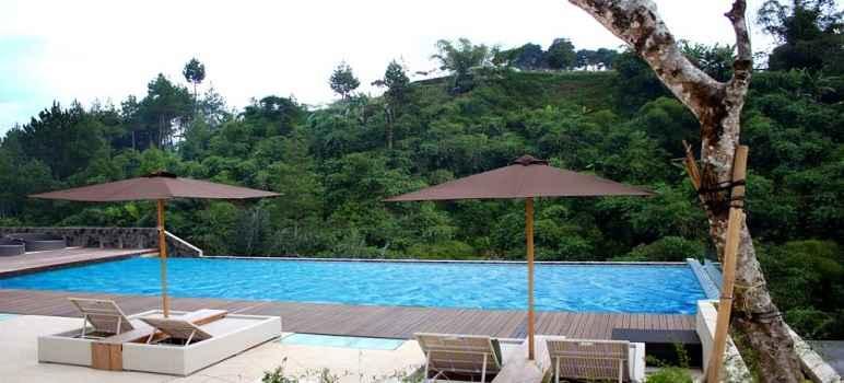 Kolam Renang Outdoor Green Forest Lembang