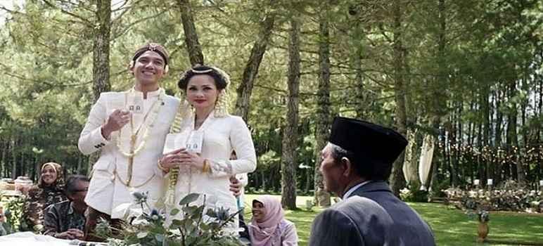 Resepsi Pernikan Andin di Pine Forest Camp Lembang