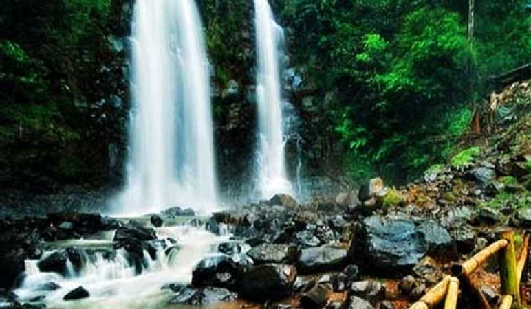 Tempat Wisata Alam di Bandung Timur Curug Cinulang
