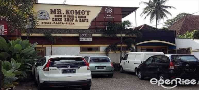 Cake Shop & Cafe Mr Komot