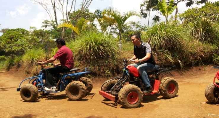 Paku Haji Cimahi Ada Kebun Binatang Mini Bandung