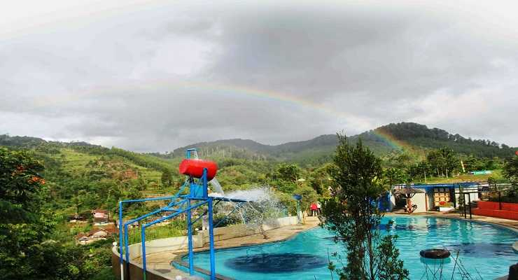 Kolam Renang Barusen Hills