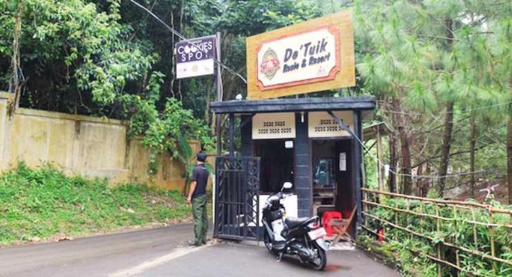 Gerbang Masuk De Tuik Bandung