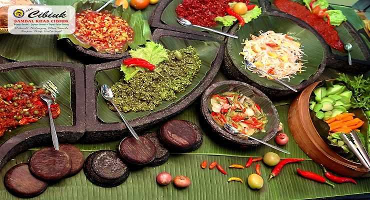 Tempat Makan di Bandung Rumah Makan Khas Sunda Cibiuk Bandung