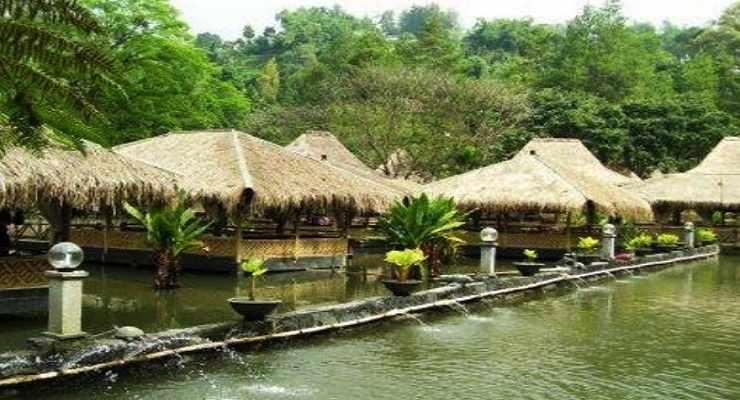 Arena Pemancingan Bonita Saung Wargi Lembang