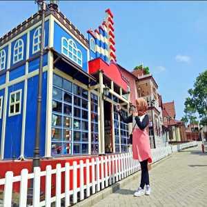 Kota Mini Floating Market Lembang Bandung