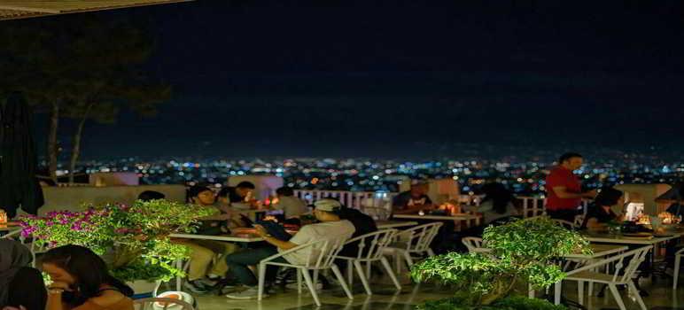 Orofi Cafe Bandung