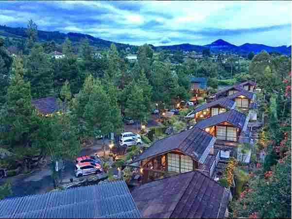 Villa Murah di Lembang Bandung Yang Bagus Untuk Rombongan Dengan Kolam Renang