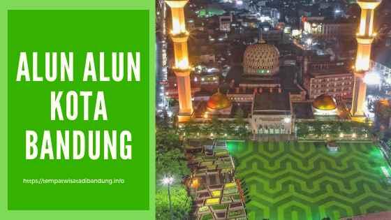 Alun Alun di Kota Bandung Malam Hari