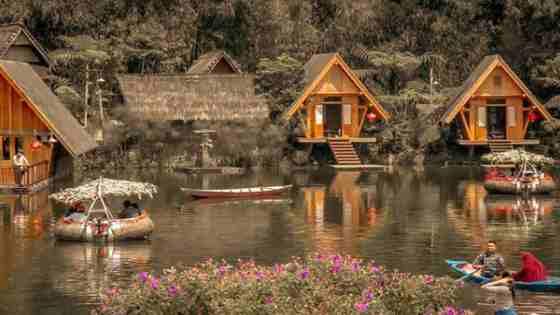 Saung Purbasari Dusun Bambu Cisarua