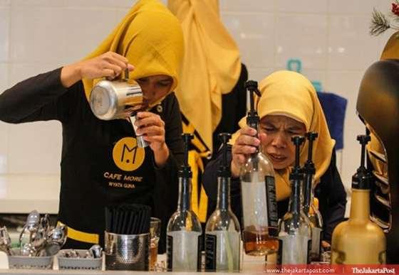 Cafe More Wyata Guna Bandung