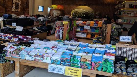factory Outlet Floating Market Lembang
