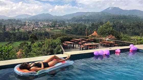 Private Pool Fasilitas Penginapan Bubu Jungle Resort Ciwidey Bandung