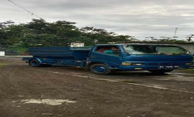 Mobil Truk Tangki Sedot WC Daerah Temanggung Jawa Tengah