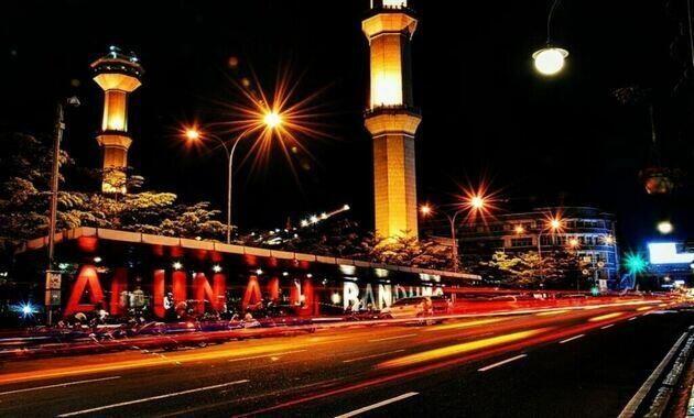 keindahan_alun-alun_kota_bandung_malam_hari
