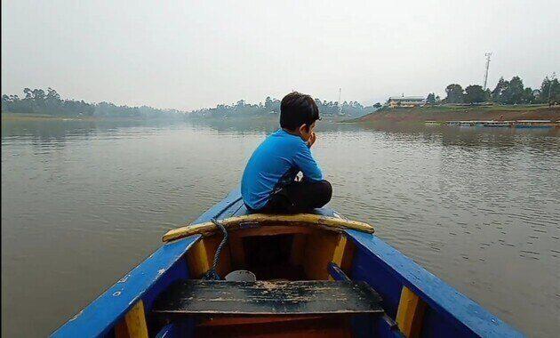 keliling_danu_naik_perahu_di_situ_cileunca_pangalengan