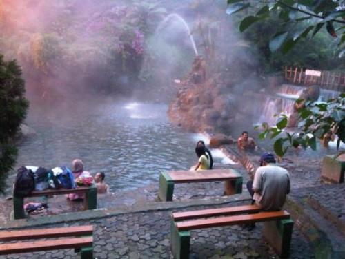 Liburan ke Bandung - Pemandian Air Panas Ciater